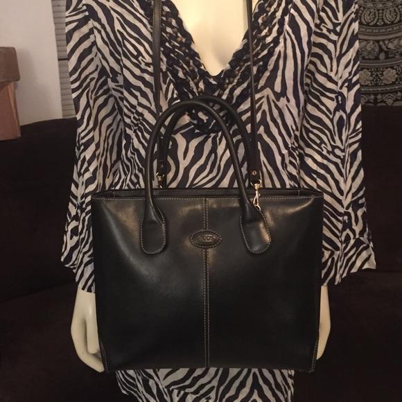 3dbb33affb8 Tod's Pochette Florentine Black Leather Tote Bag. M_5be146437386bc57ed3a1532
